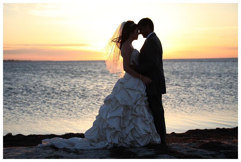 Segundo dados da ONU, atualmente as mulheres se casam, em média, aos 23 anos, e os homens, aos 26 anos.