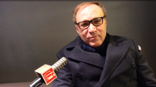 Ghaleb Bencheikh au micro de Yasmine Chouaki, RFI.