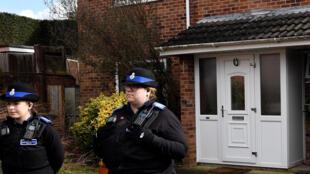 Полиция охраняет дом Сергея Скрипаля в Солсбери, 6 марта 2018 года.