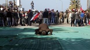 Manifestantes se concentram em Alexandria nesta sexta-feira 25 de janeiro de 2013.