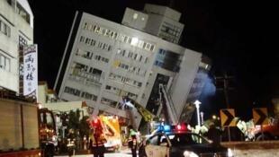 台灣花蓮地震3危樓 9日清晨6時拆除 2018年2月8日