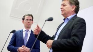 Thủ tướng mãn nhiệm Áo Sebastian Kurz thuộc đảng ÖVP (P) và thủ lãnh đảng Xanh Werner Kogler, phát biểu trước khi thương lượng lập liên minh, Vienna, ngày 12/11/2019.