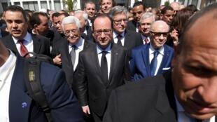 باجی قائد سبسی رئیس جمهوری تونس ، فرانسوا هولاند رئیس جمهوری فرانسه و محمود عباس، رئیس تشکیلات خودگردان فلسطینی، در تظاهرات امروز علیه تروریسم در پایتخت تونس راهپیمایی کردند. ٩فروردین / ٢٩ مارس ٢٠١۵