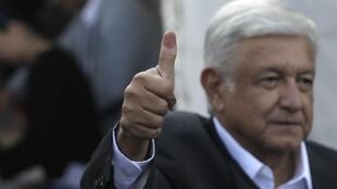 Andrés Manuel López Obrador, AMLO, ha prometido que combatirá de frente la pobreza, la violencia y la corrupción.
