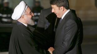 Le président iranien Hassan Rohani est reçu par le Premier ministre italien Matteo Renzi, au palais Campidoglio à Rome, le 25 janvier 2015.