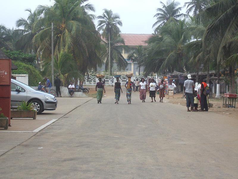 Dans une rue de Grand-Bassam, en Côte d'Ivoire (photo d'illustration).