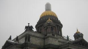 Борьба против передачи Исаакиевского собора РПЦ — одно из главных событий уходящего года.