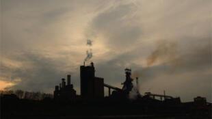 法国环保人士提出征收碳排放税