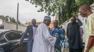 L'ancien président béninois Boni Yayi lors de sa visite éclair à Cotonou, accompagné d'une délégation de la Cédéao le 20 novembre 2019.