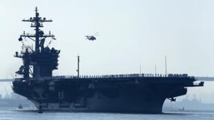 Le porte-avions américain USS Carl Vinson a appareillé depuis son port d'attache de San Diego (Californie) à destination du Moyen-Orient.