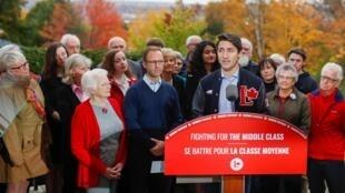 Le Premier ministre canadien Justin Trudeau en campagne à Frédéricton, le 15 octobre 2019. Il a appelé les électeurs à lui confier une majorité absolue pour mieux défendre les intérêts des Canadiens.