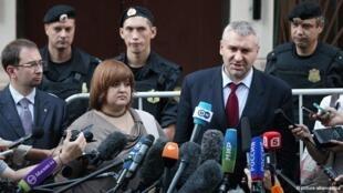 Бывшие адвокаты Pussy Riot Николай Полозов, Виолетта Волкова и Марк Фейгин