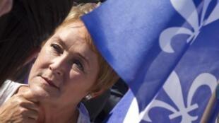 Pauline Marois durante su campaña, el 1° de septiembre en Châteauguay.