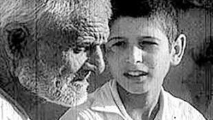 ترانۀ گل مریم ساختۀ ایرج امیرنظامی در فیلم پ مثل پلیکان توسط محمد جزایری خوانده شد