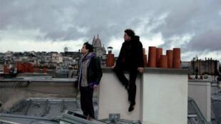 Detalle del afiche del documental 'Ainsi squattent-ils'.