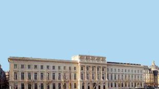 Façade de l'Hôtel de la Monnaie de Paris.