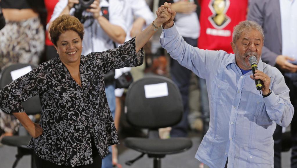 Dilma Rousseff et Lula da Silva, ancien président et mentor de Dilma, le 20 octobre 2014 lors de la présidentielle.