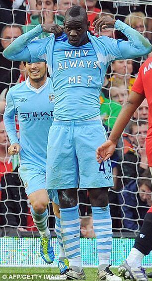 Mshambuliaji wa Kimataifa wa Italia na Klabu ya Manchester City Mario Balotelli ambaye amejiapiza kupambana na vitendo vya ubaguzi kwenye Euro 2012
