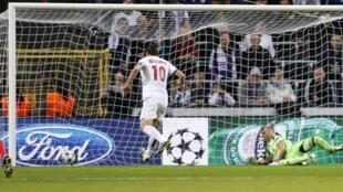 Zlatan Ibrahimovic na PSG a lokacin da ya ke jefa kwallo a ragar Anderlecht a gasar Zakarun Turai