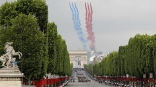 La patrouille acrobatique de France de l'Armée de l'air française. (Le 14 juillet 2010).
