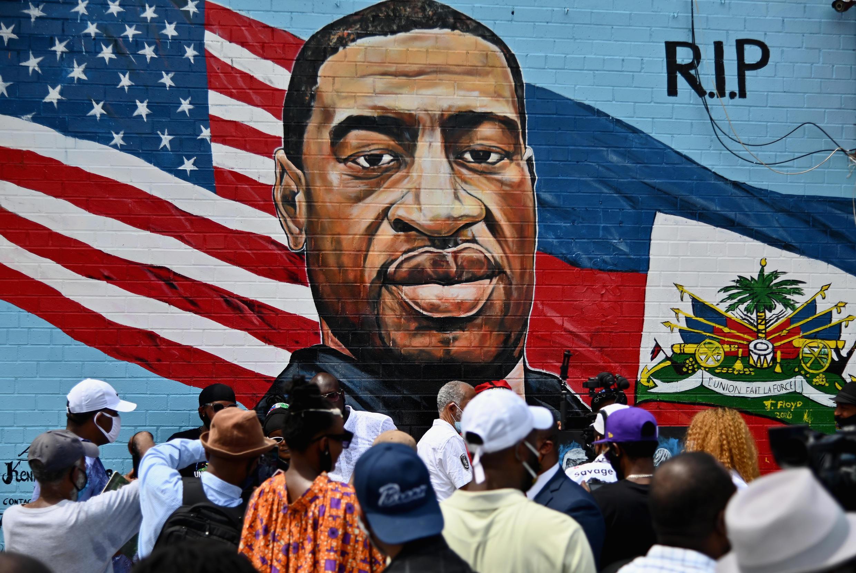 Un mural retrata a George Floyd, el 13 de enero en Nueva York