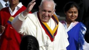 O Papa Francisco iniciou neste domingo (5) uma viagem à América Latina, onde visita Equador, Bolívia e Paraguai.
