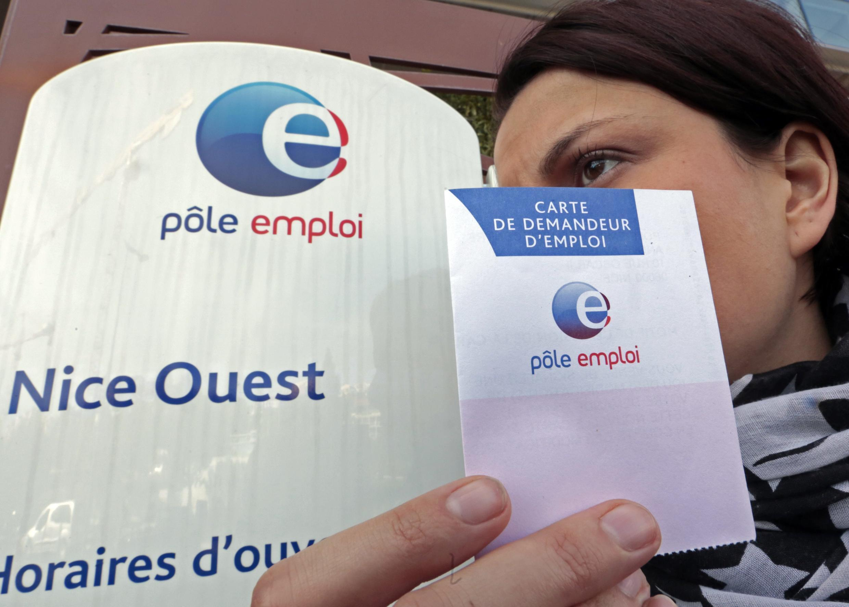 Француженка в агентстве по трудоустройству