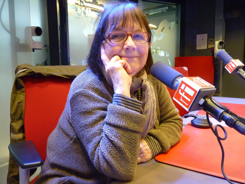 Marie Orensanz en los estudios de Radio Francia Internacional.