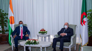 President Abdelmajid Tebboune and Bazoum Mohammed in Algiers