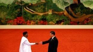 Rencontre entre le président nigérien Mahamadou Issoufou et le président chinois Xi Jinping, le 3 septembre 2018.