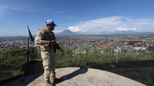Capacete azul no leste da RDC, onde a ONU tem uma das suas 16 missões de paz espalhadas pelo mundo