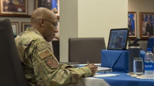 美國太平洋空軍司令布朗參與視訊會議資料圖片