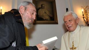 Fidel Castro et Benoît XVI en 2012 à La Havane.