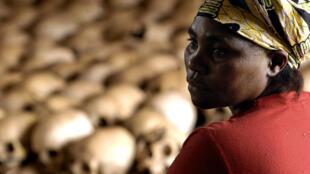 Rwanda_Génocide_crânes victimes église Ntamara - Danielle Nyirabazungu 000_PAR2004022912068