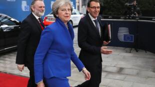 La primera ministra británica, Theresa May, a su llegada a la cumbre europea, este domingo.