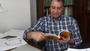 امیرحسن چهلتن، نویسنده ایرانی