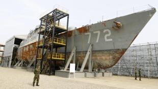 Xác tàu chiến Cheonan của Hàn Quốc (REUTERS/Lee Jae-Won)
