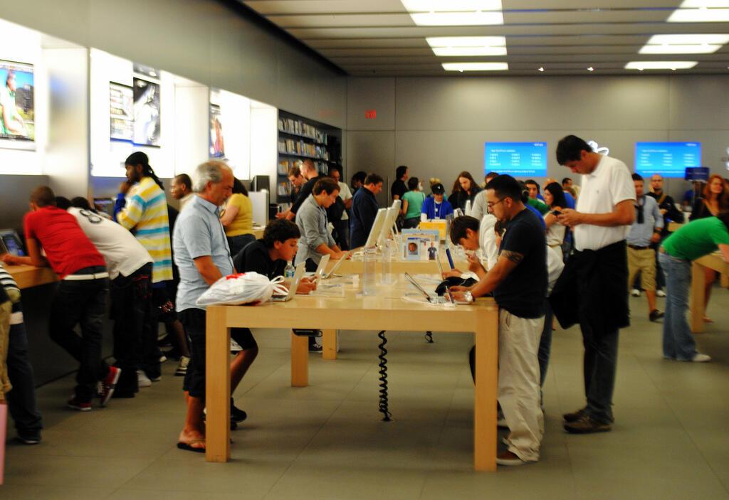 Loja da Apple, uma das preferidas dos turistas estrangeiros no shopping Aventura Mall, em Miami.