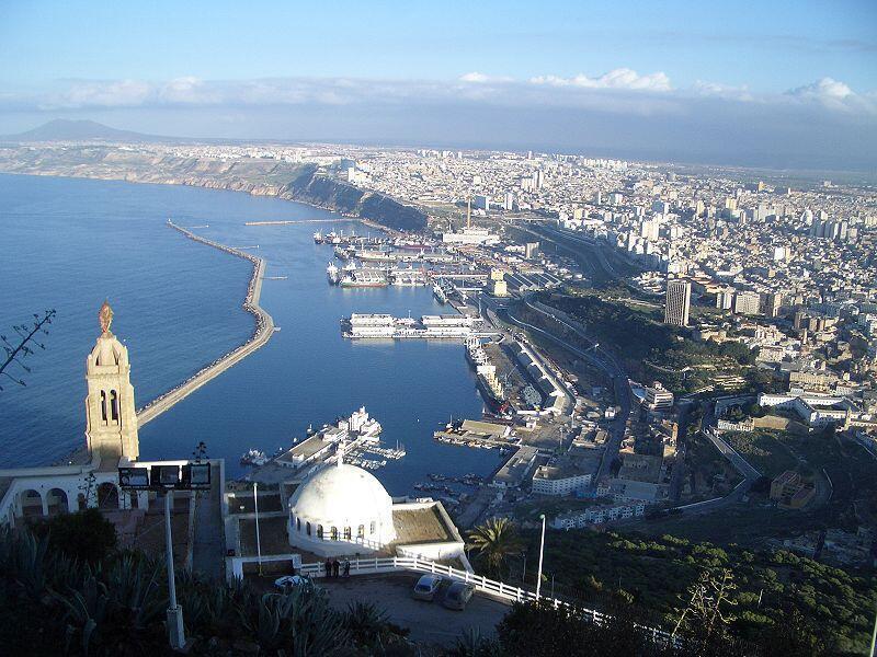 Vue aérienne de la ville d'Oran.
