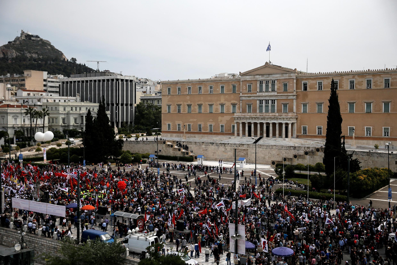 Người dân Hy Lạp biểu tình phản đối các biện pháp cải cách của chính phủ, tại Athens, ngày 08/05/2016.