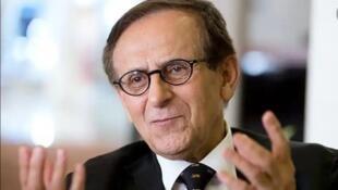 هوشنگ امیر احمدی، استاد دانشگاه ایالتی نیوجرسی