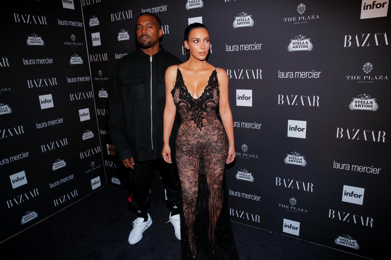 Канье Уэст и Ким Кардашьян во время недели моды в Нью-Йорке 9 сентября 2016.