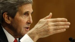 Джон Керри в разговоре с С.Лавровым 12 апреля предупредил Россию об угрозе новых санкций со стороны США