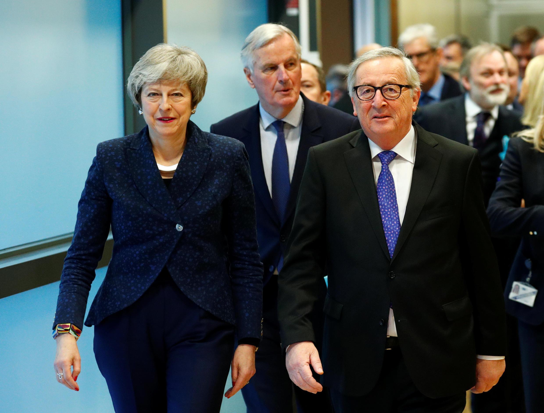 Chủ tịch Ủy Ban Châu Âu Jean-Claude Juncker (P) và thủ tướng Anh Theresa May, tại trụ sở Ủy Ban ở Bruxelles, Bỉ, ngày 07/02/2019