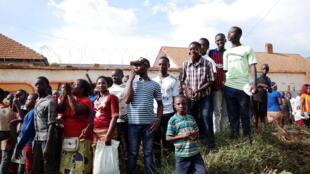 A Béni, parents, enfants et enseignants espèrent que l'épidémie d'Ebola sera sous contrôle pour la prochaine année scolaire.