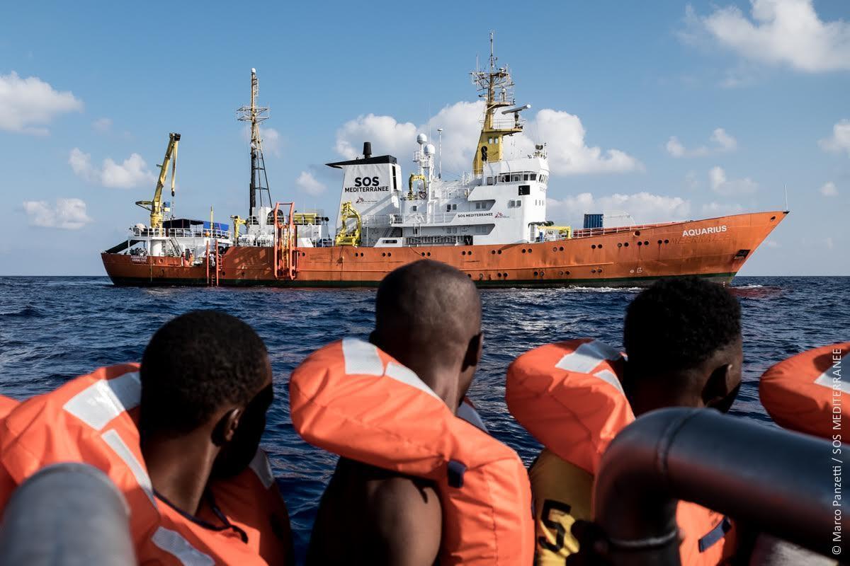 Operativo de rescate de migrantes, el 5 de septiembre de 2016 por parte de la tripulación del Aquarius en el Mediterráneo.