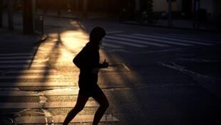Correr nos arredores de casa foi a maneira encontrada por muita gente para manter a forma durante o confinamento.