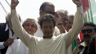 Imran Khan, leader du PTI pakistanais, le 14 août à Lahore, avant l'arrivée de la marche de l'opposition à Islamabad.