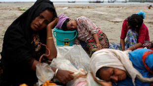 30万罗兴亚穆斯林逃到邻国孟加拉引发人道危机。2017-09-10