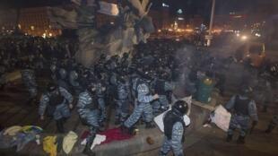 Разгон Евромайдана в ночь с 30/11/2013 на 01/12/2013